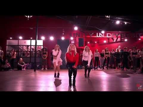Marissa Heart / Wit It This Christmas (Ariana Grande)
