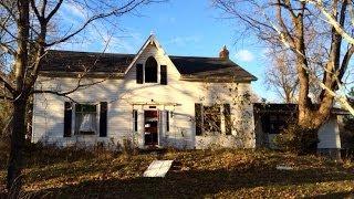 Exploring a Large Abandoned House on Dundas St. Whitby, Ontario, Canada