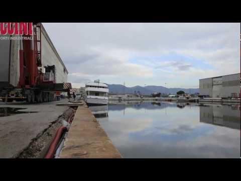 Movimentazione e varo megayacht da 370 tonnellate Piccini autotrasporti industriali srl