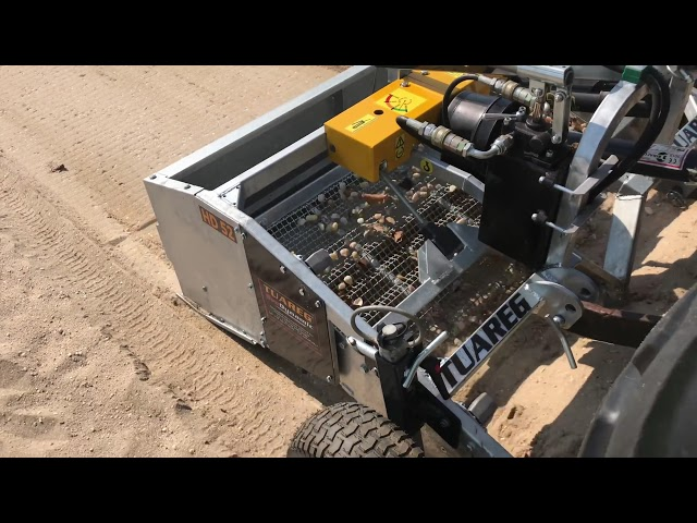 Beach cleaner Heavy Duty - Compact Tractor Model HD52 Dynamic, beach cleaning sand area