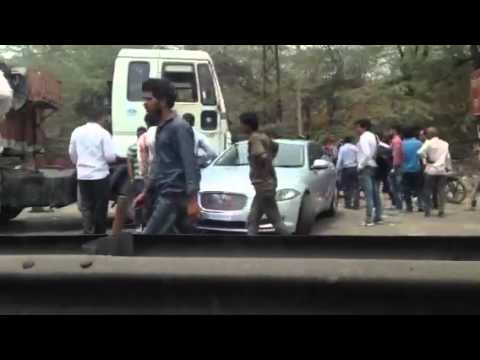 Jaguar Accident In India Jaguar Car Crash With A Truck Near