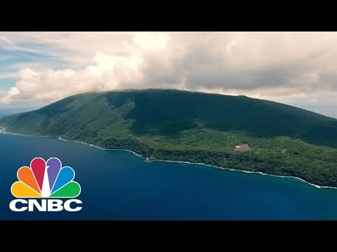 SolarCity Powers A Remote Pacific Island Using Solar Power | Tech Bet | CNBC
