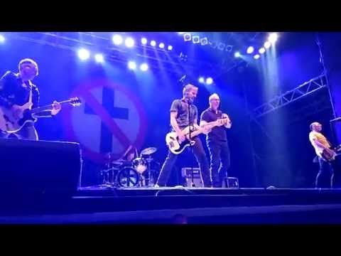 bad-religion-delirium-of-disorder--do-what-you-want-live-at-wien-austria-jul-13-2016