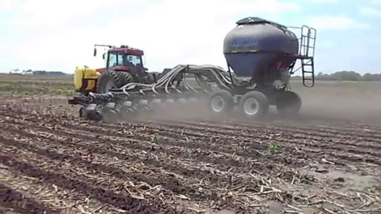 Dawn B Amp D Montag Nw Indiana Strip Tilling Youtube