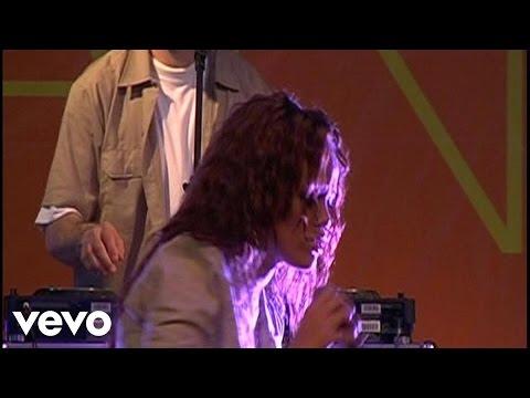 Rihanna - You Don't Love Me (No, No, No) (Live on MSN) ft. Vybz Kartel