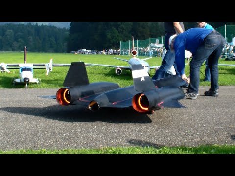 The New R/C Lockheed SR-71 Blackbird by Roger Knobel with ...