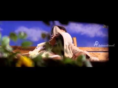 NJANSALPERU RAMANKUTTY - Kaliyadi Thalirchoodum song