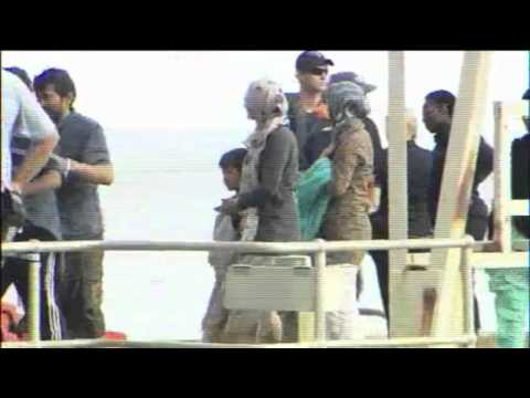 refugees and asylum seekers australia
