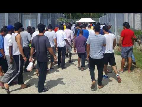 News Update Manus Island: Refugees refuse to leave Australia centre 31/10/17