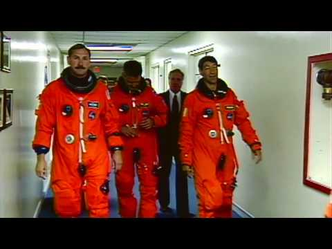 Hall Opens Doors to Astronaut Heroes