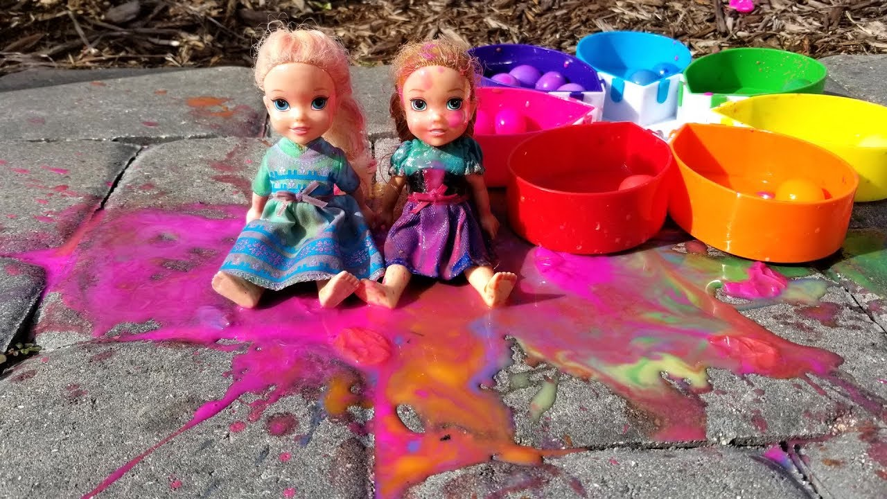 Paintballs ! Elsa and Anna toddlers playing with colors - water fun - splash 9