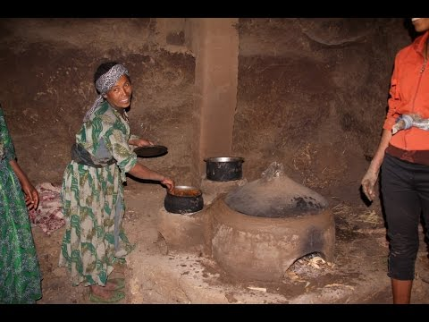 Building Smoke-free Stoves in Simien Moutains, Ethiopia - Die Ofenmacher