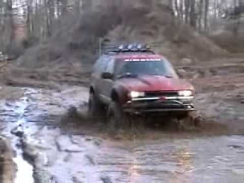 S10 Blazer Zr2 Mud Fun Run Also Jeep Cherokee Wrangler