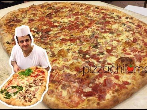 La pizza piu 39 grande del mondo youtube for La villa piu grande del mondo