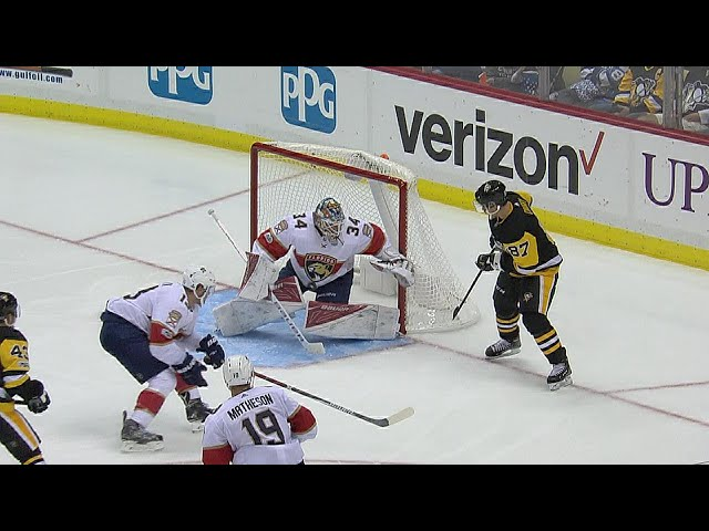 Sidney Crosby scores his second on nifty deflection