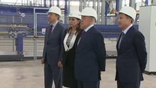 Назарбаев посетил домостроительный комбинат