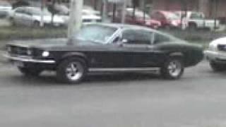 Ford Mustang En el Santa Isabel de C de Tango.