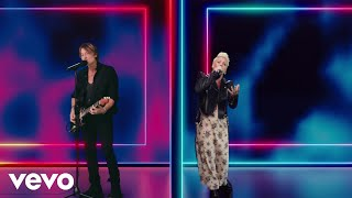 Keith Urban, P!nk - One Too Many (Two Room Duet)