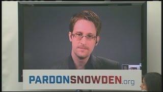 Calls to pardon Snowden