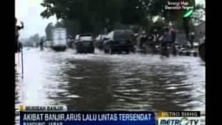 Banjir di Jalan Raya Rancaekek Belum Surut