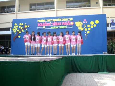 NCT - 10A19 - Nhay co dong (Hoi Xuan - 25/1/2011)
