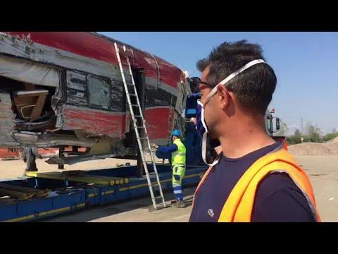 La motrice del treno deragliato lascia Ospedaletto Lodigiano: verrà demolita