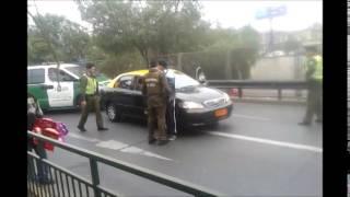 temor en un intento de fuga de un taxista frente a carabineros