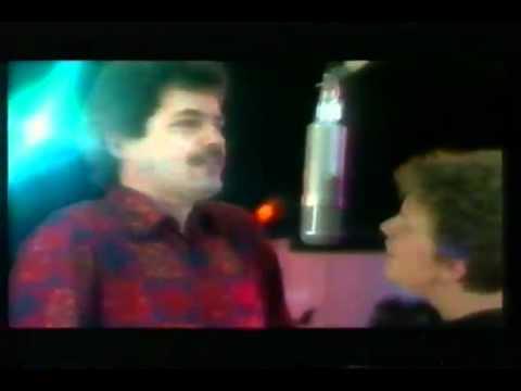 Duet (We staan samen sterk) - Herman Finkers en Brigitte Kaandorp.mpg.flv