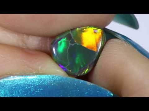 1.00cts Beautiful Black Opal