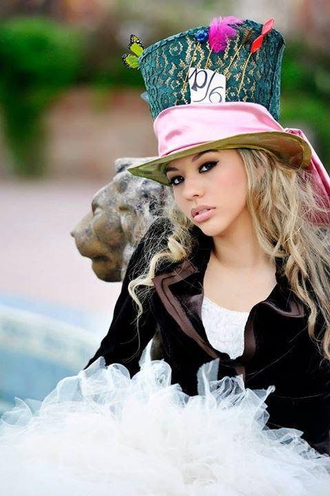 37b5ffafd52 Sweet 16   Quinceañera Slideshow - Alice in Wonderland theme - YouTube