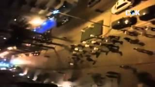 İzmir 39 de Polisin arkasında yürüyen elleri sopalı AKPli grup