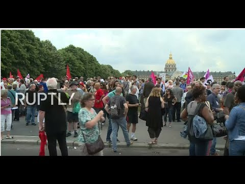 LIVE: Trade unions protest against intended labour reforms in Paris
