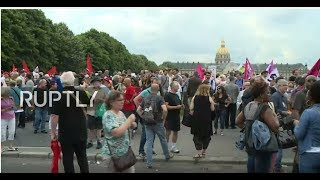 LIVE: Trade unions protest against intended labour reforms in Paris thumbnail