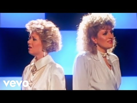 "Elaine Paige, Barbara Dickson - I Know Him So Well ""From CHESS"""