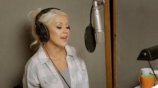 Behind the Scenes: Christina Aguilera