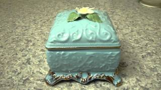 Romance Love Story Trinket Jewelry Music Box Rare Fine