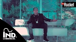 Repeat youtube video Si Tu No Estas - Nicky Jam Ft De la Ghetto | Video Oficial