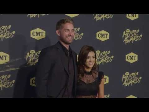 Brett Young takes trip back to L.A. for 2nd record Mp3