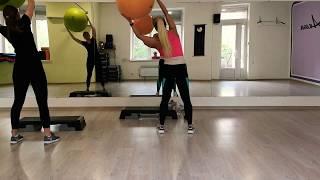 Индивидуальный урок по с фитболом на выносливость и баланс.