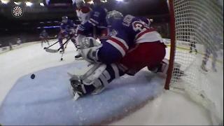 Lundqvist makes pad save on Plekanec
