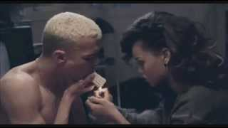 Video Rihanna - Diamonds download MP3, 3GP, MP4, WEBM, AVI, FLV Maret 2017