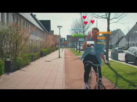 #Superbelangrijk - Telefoon in het verkeer ff niet