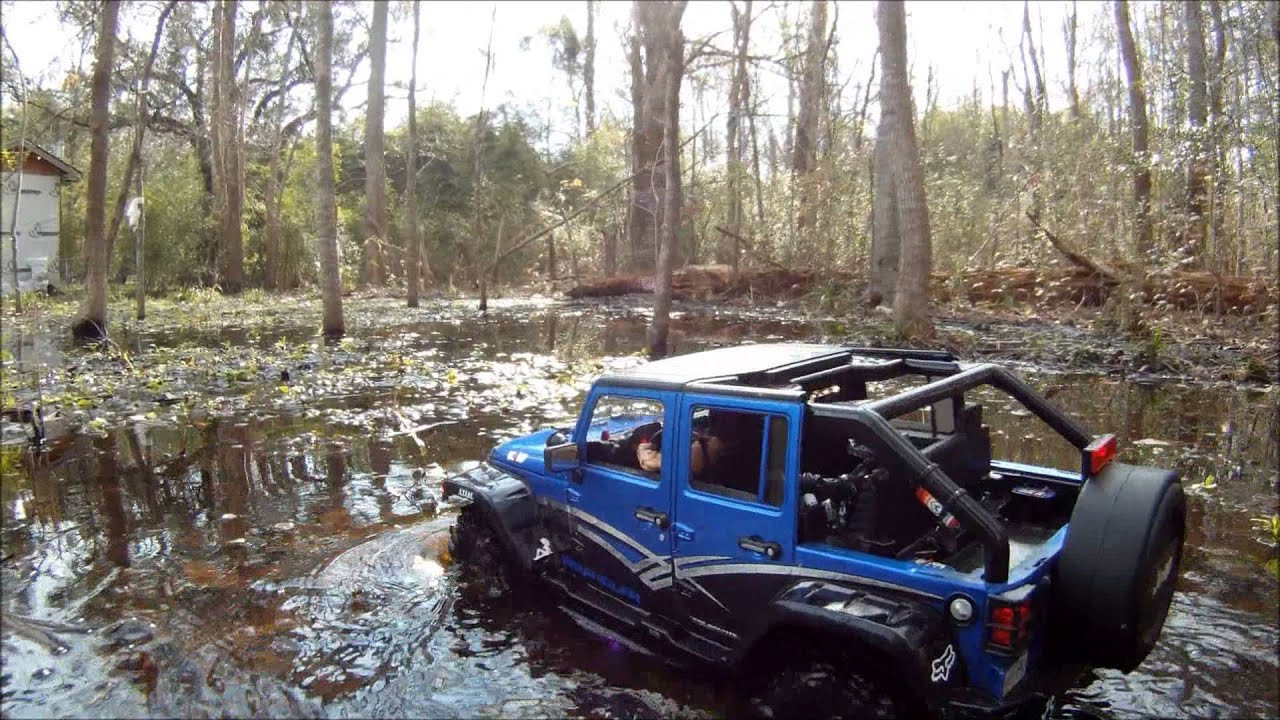 Jeep Wrangler Jk 4x4 Axial Scx10 Rc Adventure Swamp N Water Youtube In