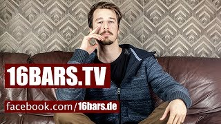 """Interview: Alligatoah über den Erfolg von """"Triebwerke"""", Zungenküsse & kommende Projekte (16BARS.TV)"""