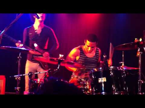 Deantoni Parks with Omar Rodriguez-Lopez Group