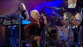 P!nk (Pink) Stupid girls(Coca Cola live@Mtv Italy 09-09-2006)