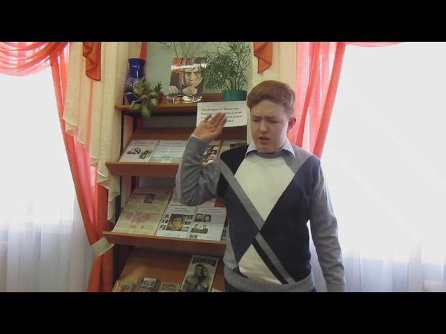 Изображение предпросмотра прочтения – ЕвгенийКречман читает произведение «Я вырос в ленинградскую блокаду» В.С.Высоцкого