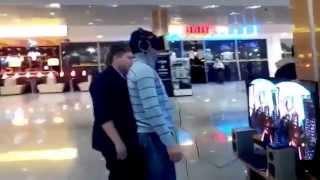 Prank Oculus Rift development kit 2 окулус рифт купить аттракцион  виртуальная реальность(Продажа Oculus Rift в России на сайте - http://vrstore.ru?s=yt&c=mijapro ▻▻▻ Вступайте в группу VR России - http://vk.com/vrstoreru..., 2014-08-28T10:35:41.000Z)