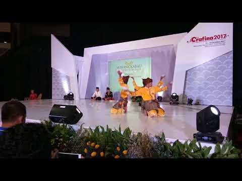 Sanggar Seni Budaya Pasaman Saiyo Prosesi Budaya Turun Kesawah di Jakarta