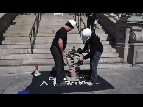Striking Montreal Engineers Protest In Front of Montreal City Hall 00090